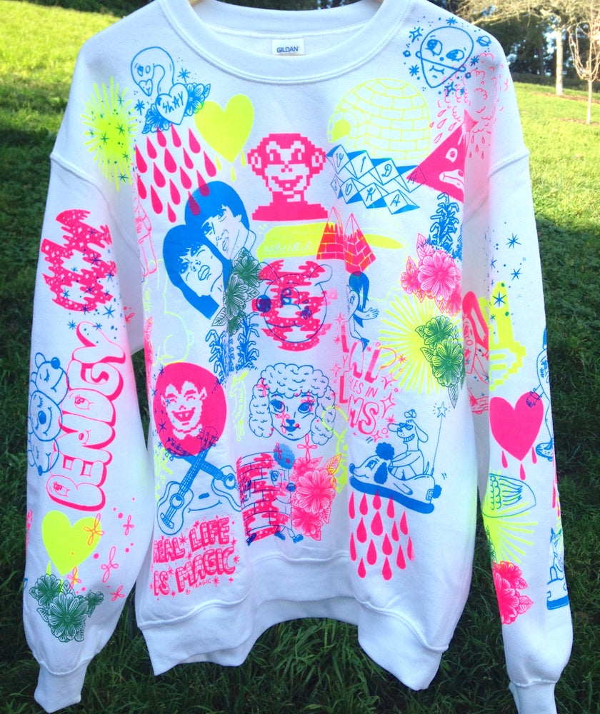 "Image of ""The beat goes on"" sweatshirt (L)"