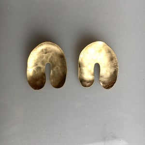 Image of arc earring