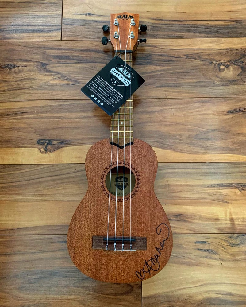 Image of Anuhea's Learn to Play 'Ukulele Starter Kit