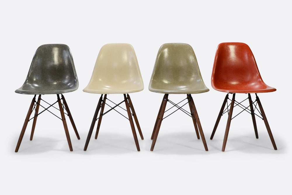 Image of Eames Set of 4 Side Chair in different colors Vintage fiberglass