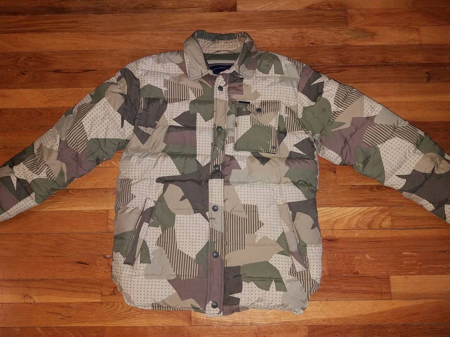 Image of Near new PENFIELD CAMO DOWN SHIRT JACKET