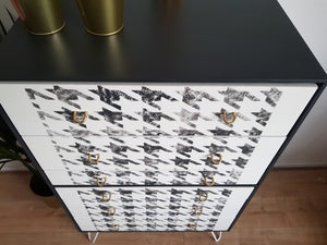 Image of Dog tooth pattern Stag drawers