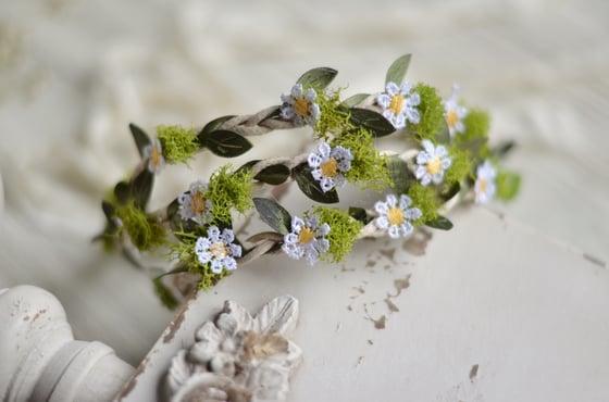 Image of Garden daisy halo