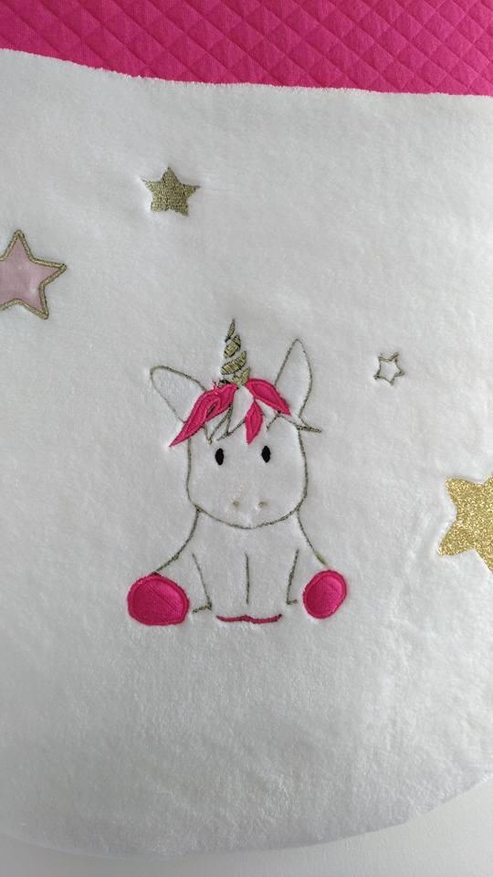 Image of Sur commande: Gigoteuse bébé licorne or et rose, hiver.