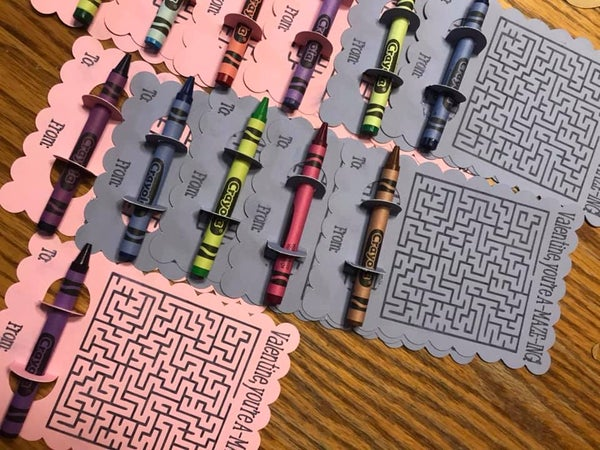 Image of Maze Valentines w/ Crayons various colors