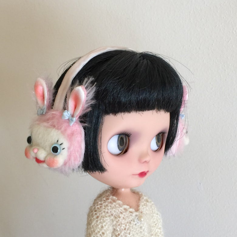 Image of Twin Bunny Heads Ear Muffs for Neo Blythe in Pink
