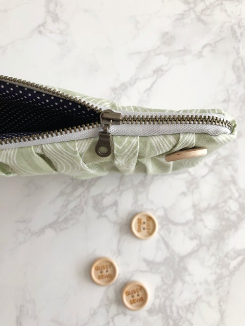 Image of Celery Leaf medium zip pouch