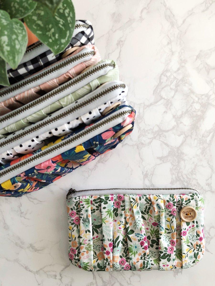 Image of Blush Garden medium zip pouch