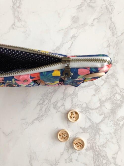 Image of Navy Garden medium zip pouch
