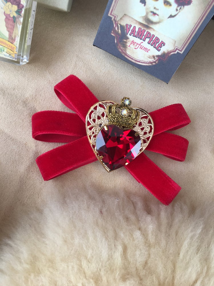 Image of Luscious Red Velvet Ribbon Brooch