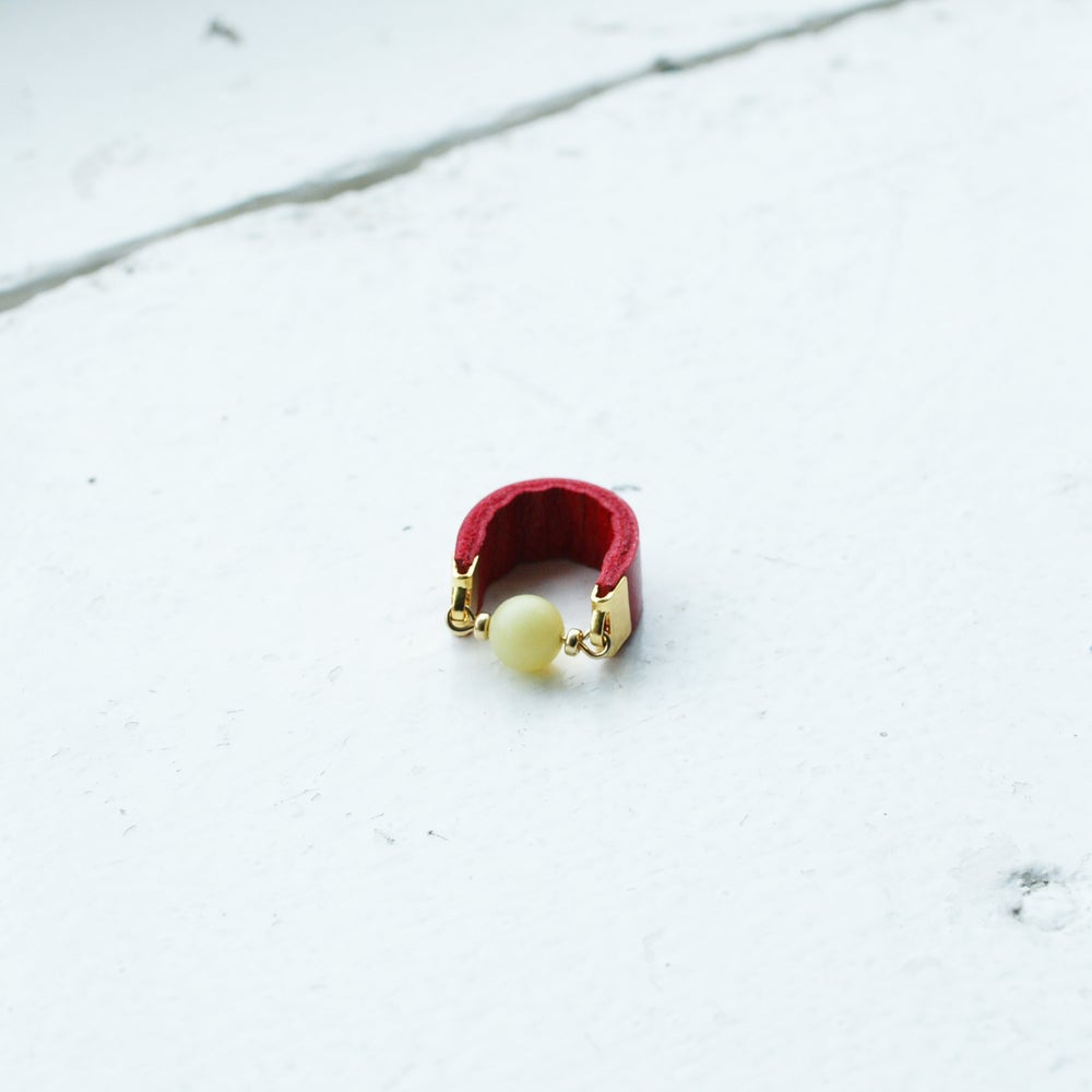 Image of Dot ring - Yellow Jade and Red