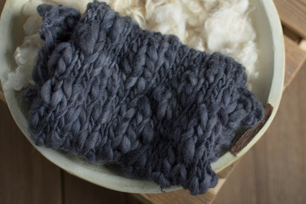 Image of Navy chunky blanket