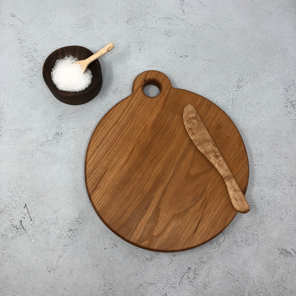 Image of Circle cutting board
