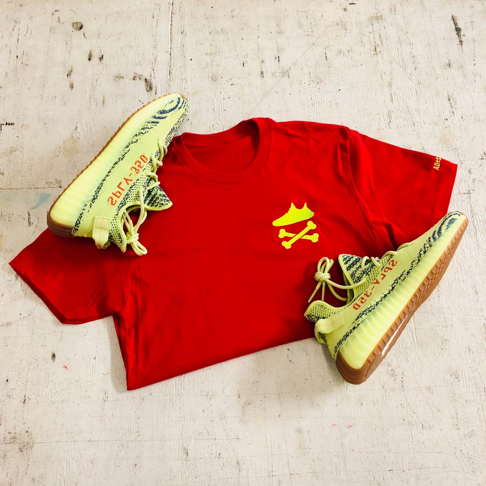 "YEEZY CROSSBONES EMBROIDERY ""NEON YELLOW/ RED"" T-SHIRT"