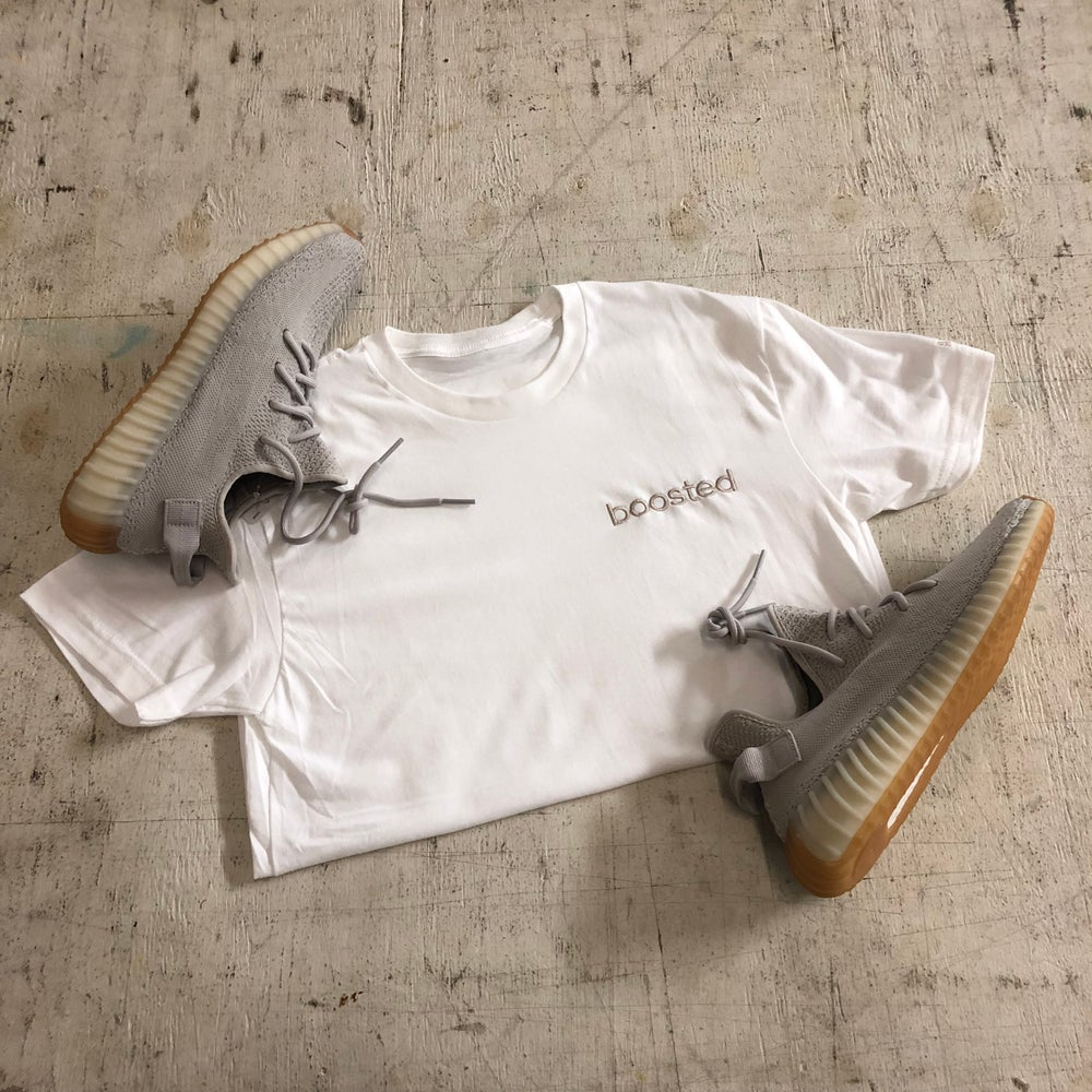"""BOOSTED EMBROIDERY """"SESAME"""" T-SHIRT & HOODY"""