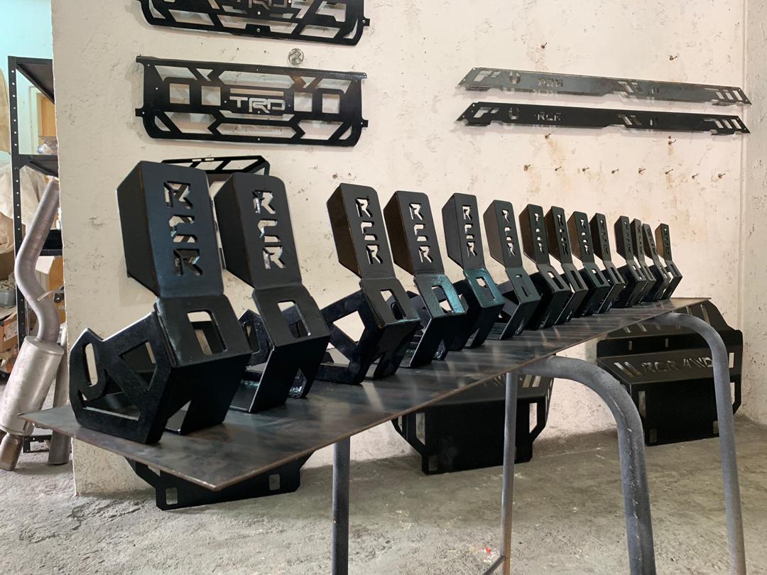 Image of RCR4WD shocks skids