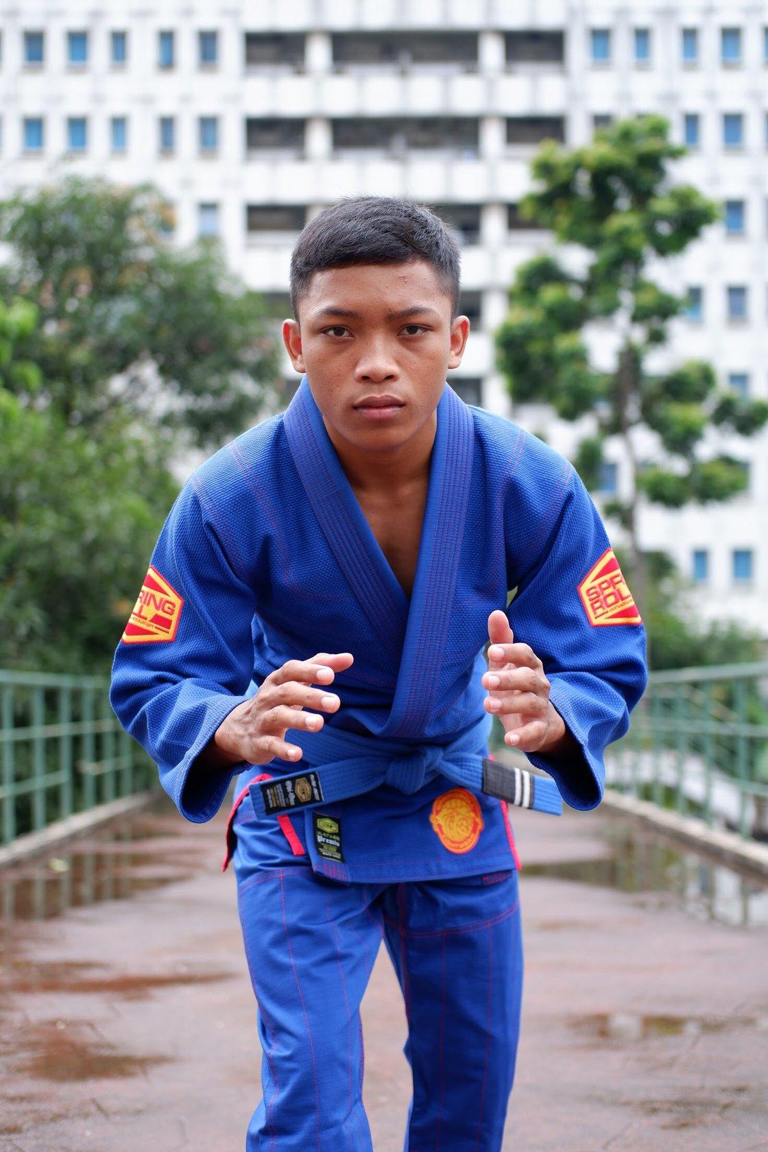 Image of Premio v2 Kimono (Royal Blue)