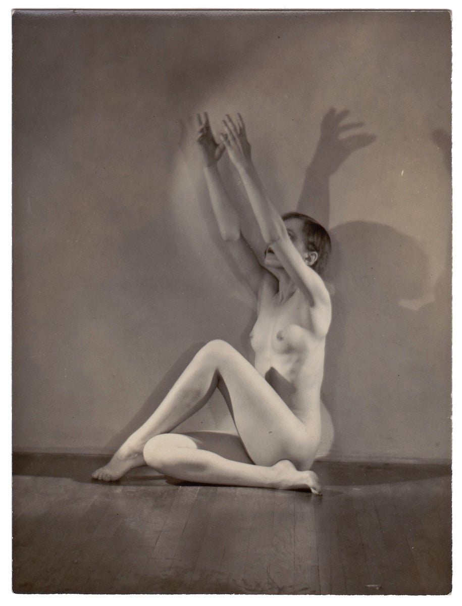 Image of Anonymous: nude female dancer with nice shadow, ca. 1925