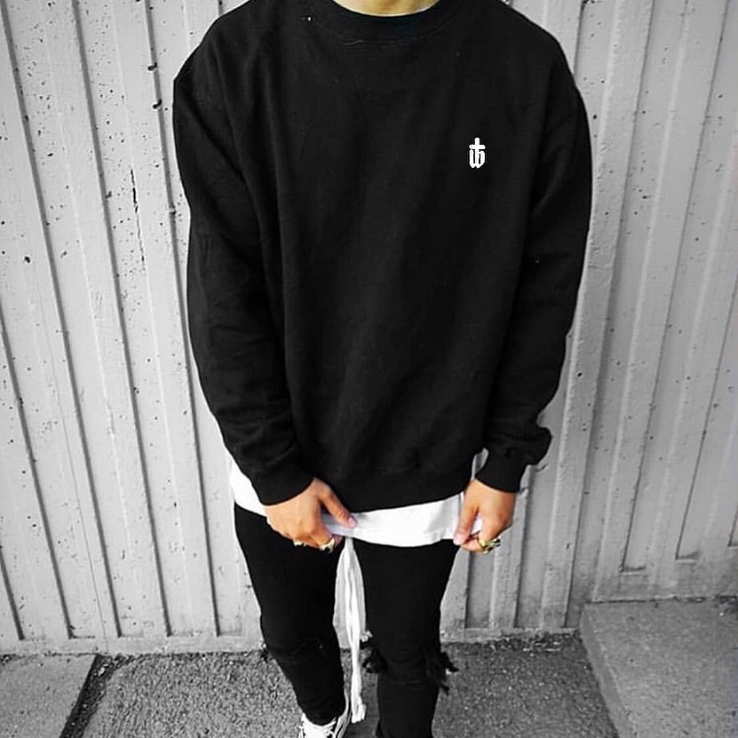 Image of CLASSIC BLACK SWEAT
