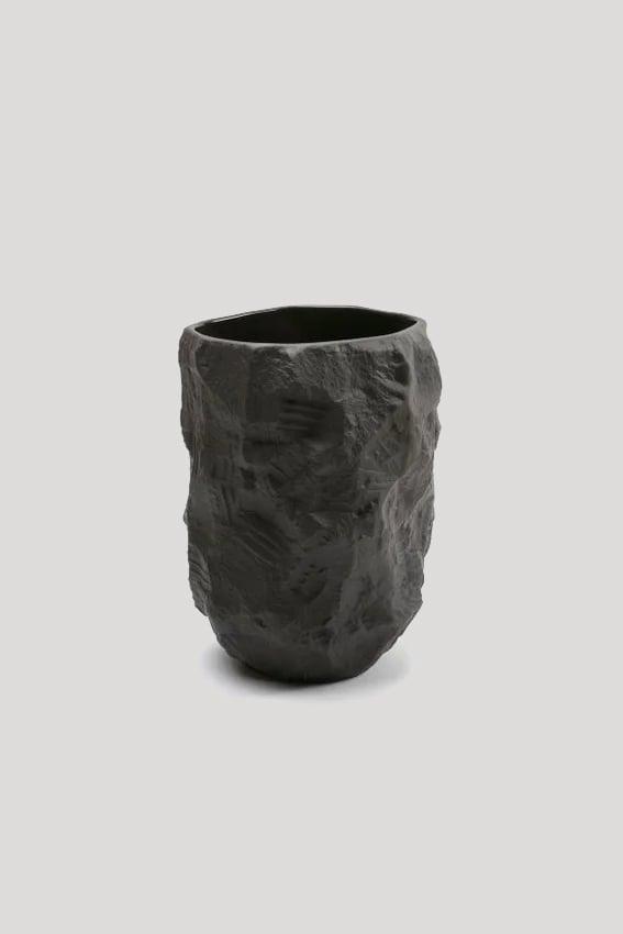 Image of Max Lamb - Crockery Vase, Black - 140 € - 15 %