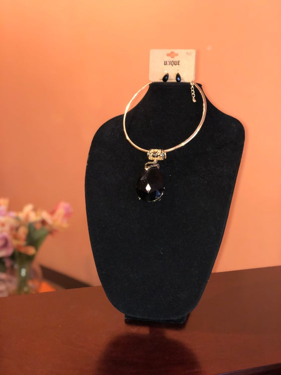 Image of Black/Gold Large Pendant Necklace w/ Matching Earrings