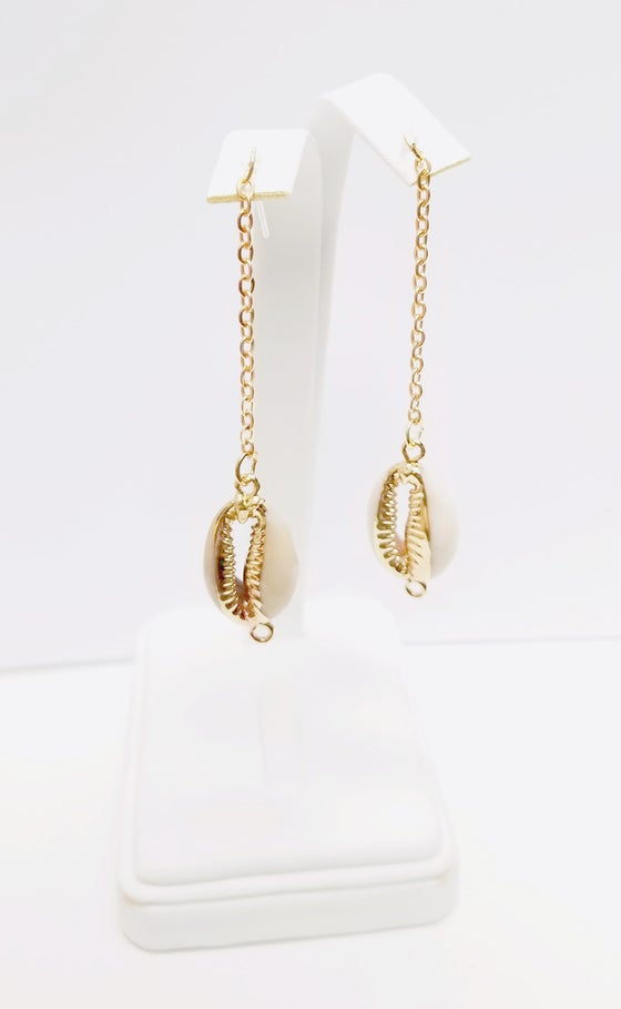 Image of Hypoallergenic Shell Earrings (Acrylic Stems)