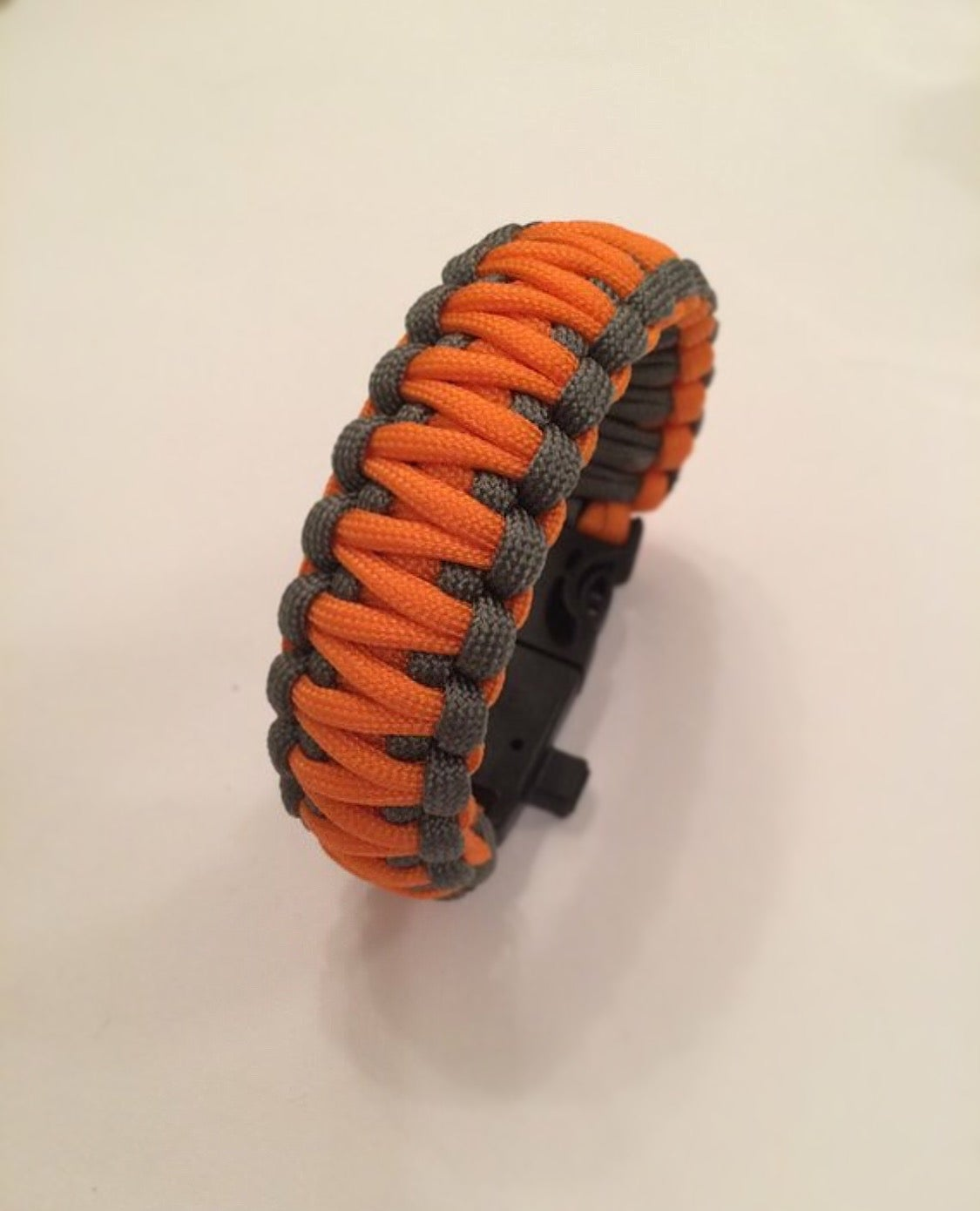 Image of KMP 5in1 Survival Paracord Wristband
