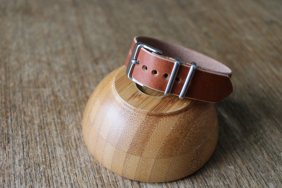 Image of One Piece Buckled Watch Strap in Horween Natural Dublin