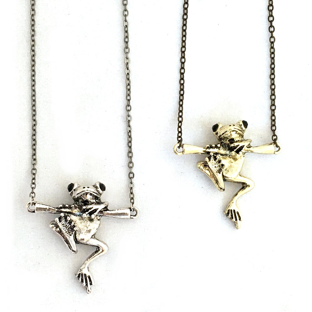 Image of Relaxed Frog Pendant