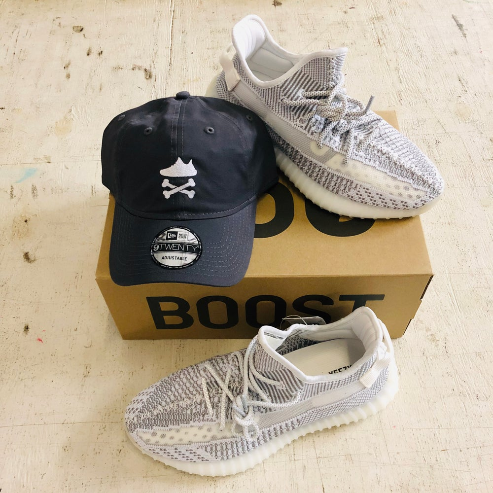 """YEEZY CROSSBONES EMBROIDERY """"WHITE"""" DAD HAT OR SNAPBACK"""