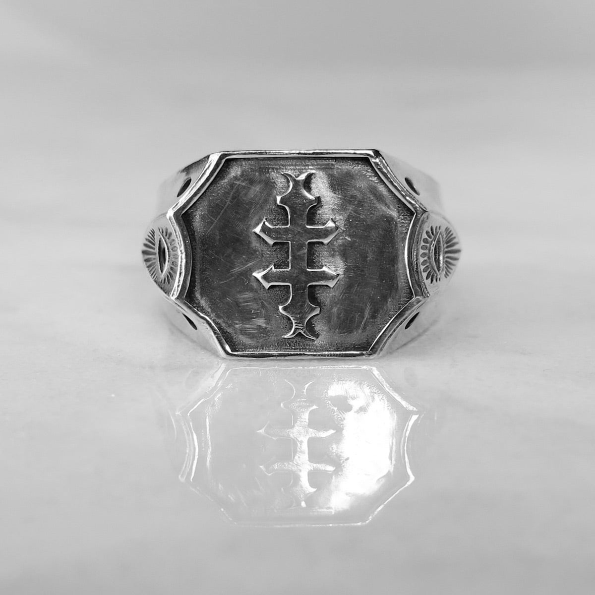 Image of Order of the Conjoined Cross LG Signet Ring Solid-Back