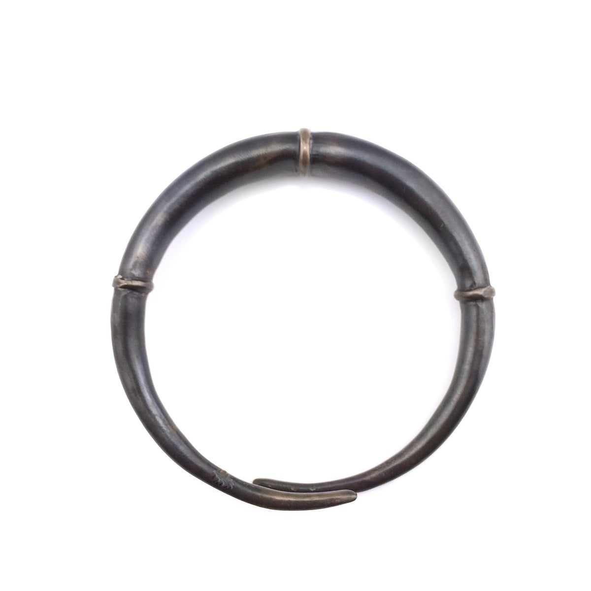 Image of Single Black Double Tapered Bangle Bracelet 02