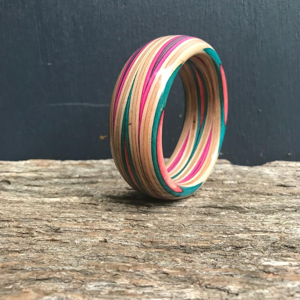 Image of Orbit slim bracelet turquoise/red