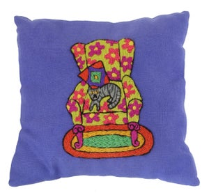 Image of Crewel Embroidery PDF - Cat Nap Pillow Download