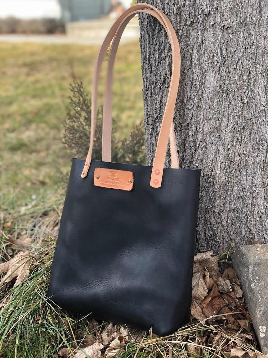 "Image of ""Farmers Market"" - Leather Tote Handbag in Black Horween Dublin"