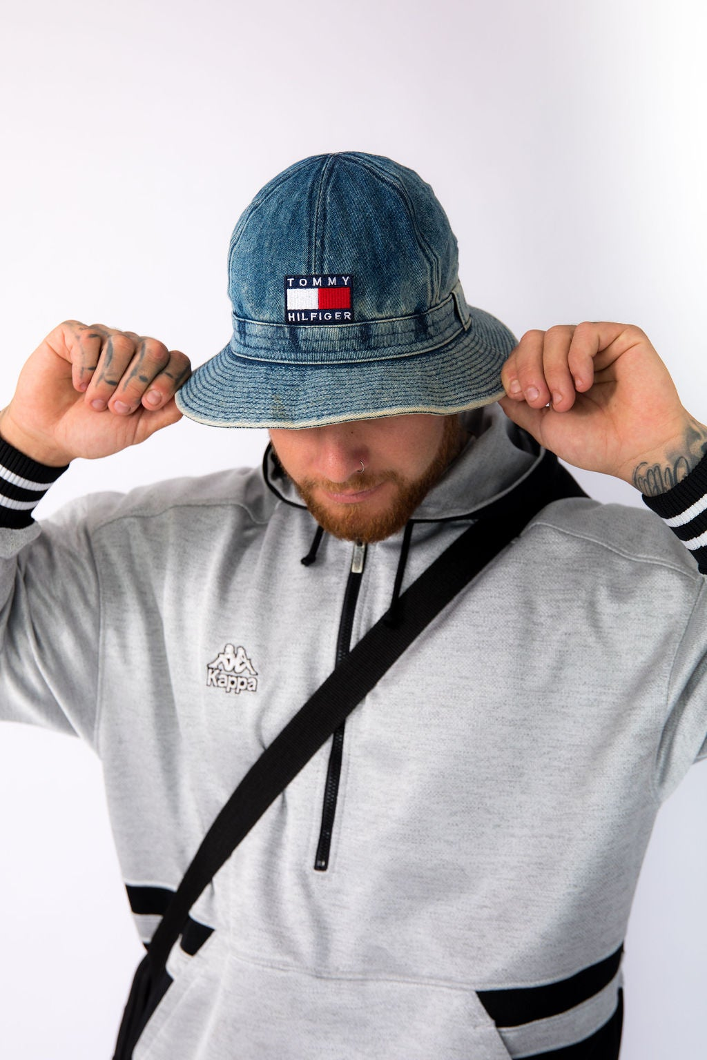 f8315094 Tommy Hilfiger Bucket hat | Rose and Dagger Vintage