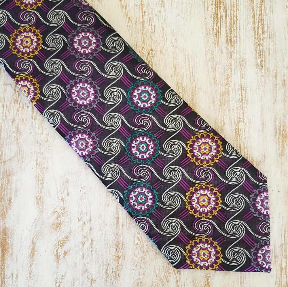 Image of POSH PURPLE NECKTIE