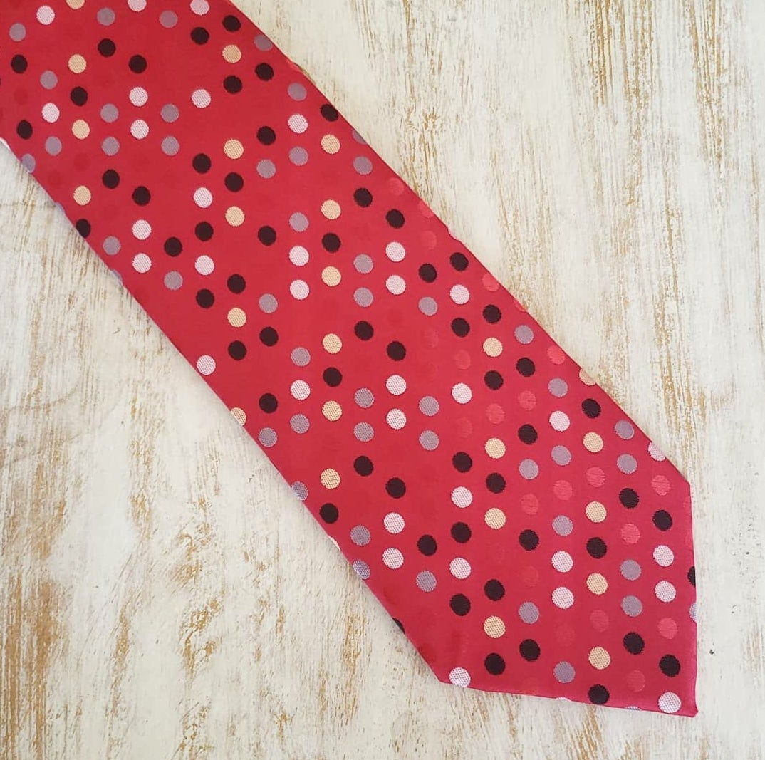 Image of RED REDDIT DOT NECKTIE