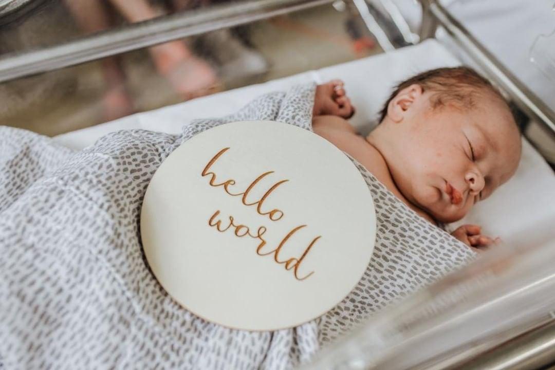 Image of hello world 15cm announcement plaque