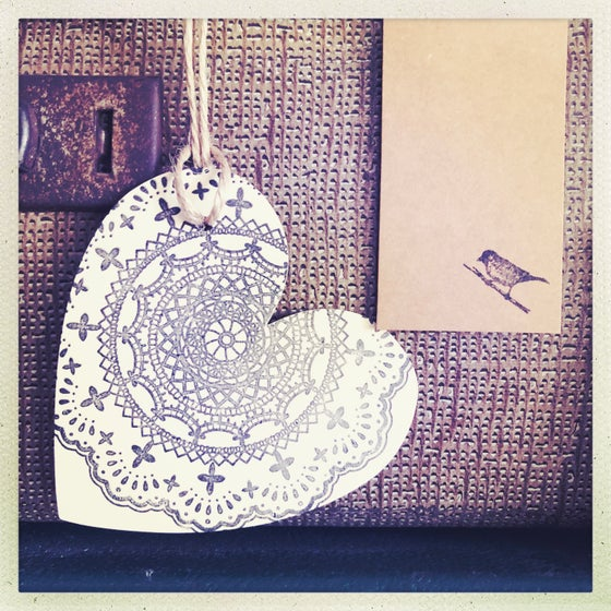 Image of heart gift tags - doily stamps