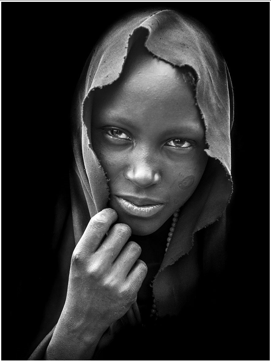Image of Fotografía: niña Masai
