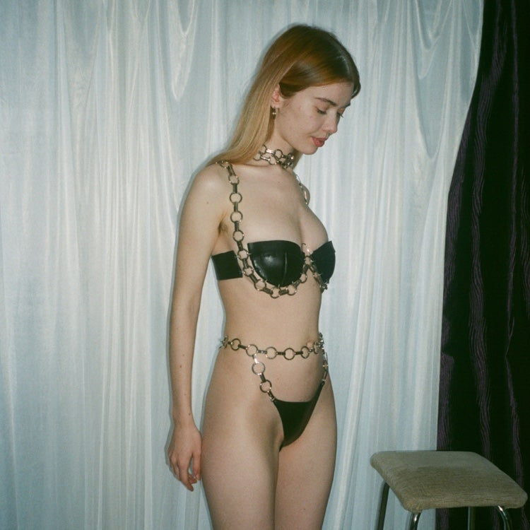 Image of THICK CHAIN BRA
