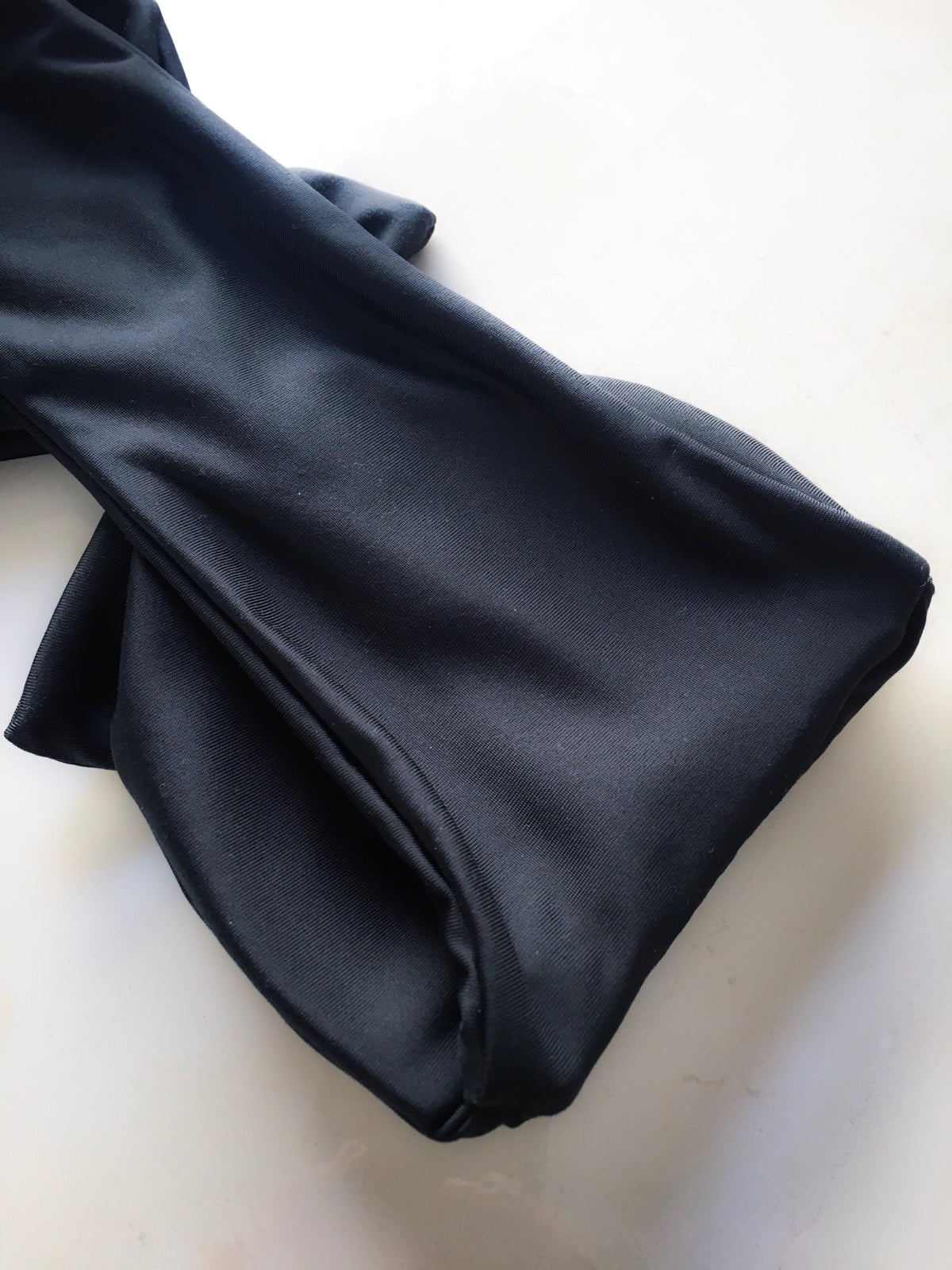 Image of KRIS TIE FRONT TOP : BLACK ON BLACK