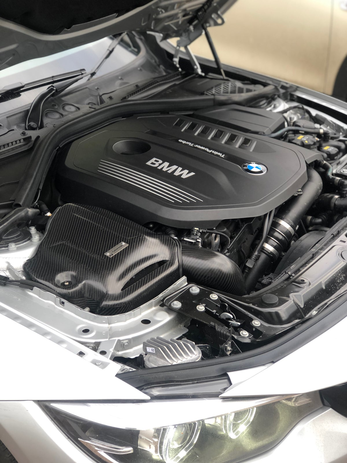 Image of BMW 330i 440i Pipercross V1 carbon intake