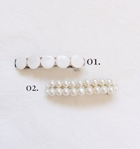 Image of Barette AIDA  // Rond nacre et perles verre nacré
