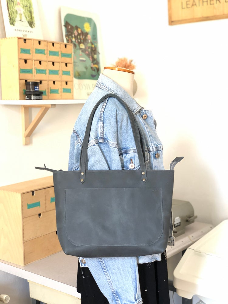 "Image of Bolso Rahue mini con Cremallera ""Blu"" · Rahue zipped Mini bag ""Blu"""