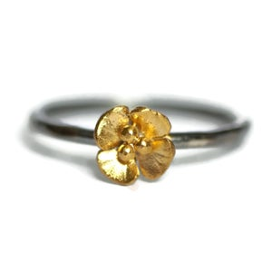 Image of Single Buttercup flower ring