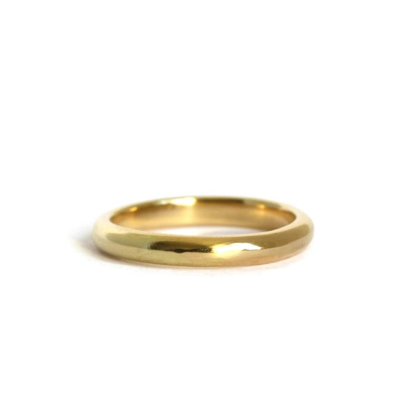 Image of Narrow D section 18ct gold wedding ring