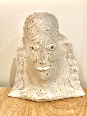 Image of Mountain Muse Face Vase