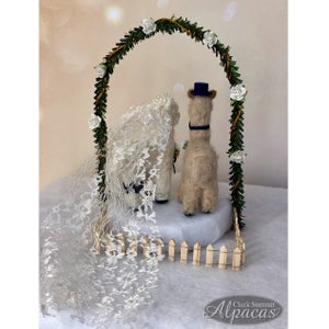 Mini Alpaca Bride Groom Wedding Party Decor Cake Topper Favors
